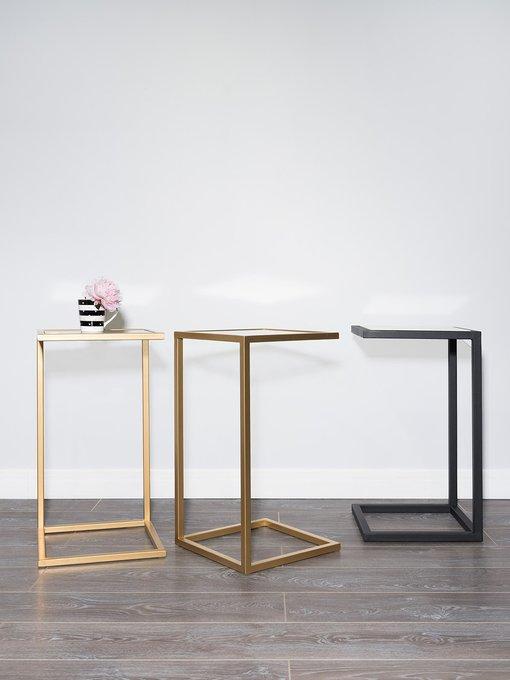 Прикроватный столик со столешницей из мрамора