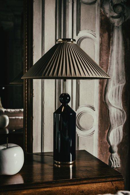 Настольная лампа Nadine с коричневым абажуром