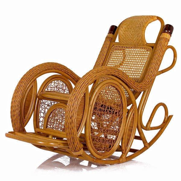 Кресло-качалка из ротанга Alexa с подушкой мед