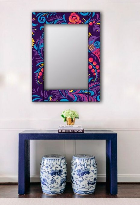 Настенное зеркало Фиолетовая Жар-птица в раме из массива сосны 55х55
