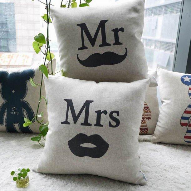 """Чехлы для подушек """"Mr"""" и """"Mrs"""""""