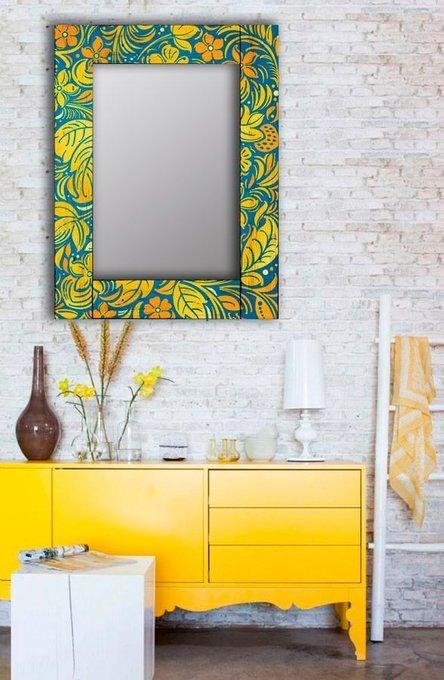 Настенное зеркало Лето в раме из массива сосны 80х80