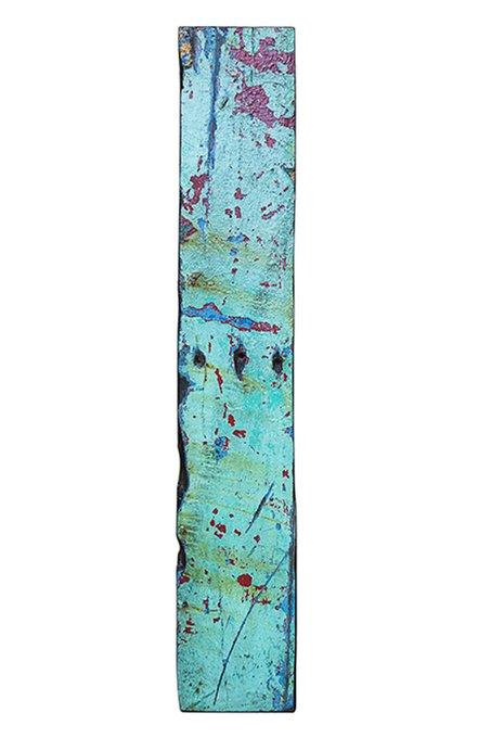 Доска корабельного борта бирюзового цвета
