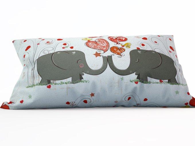 Декоративная подушка: Влюбленные слоники