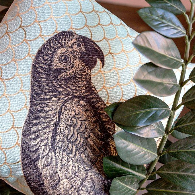 Интерьерная подушка Самый говорливый бирюзового цвета