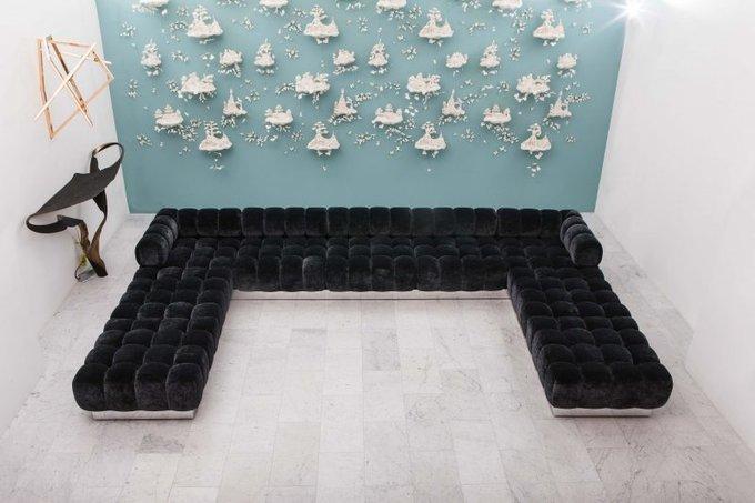 Угловой диван Ostin чёрного цвета