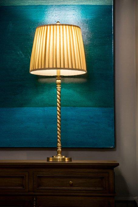 Настольная лампа Norma с бежевым абажуром