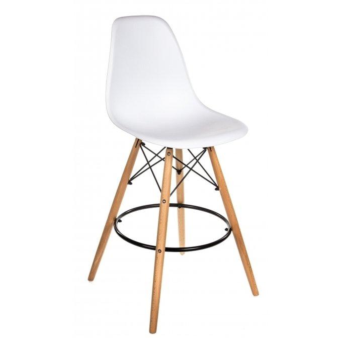 Барный стул белого цвета
