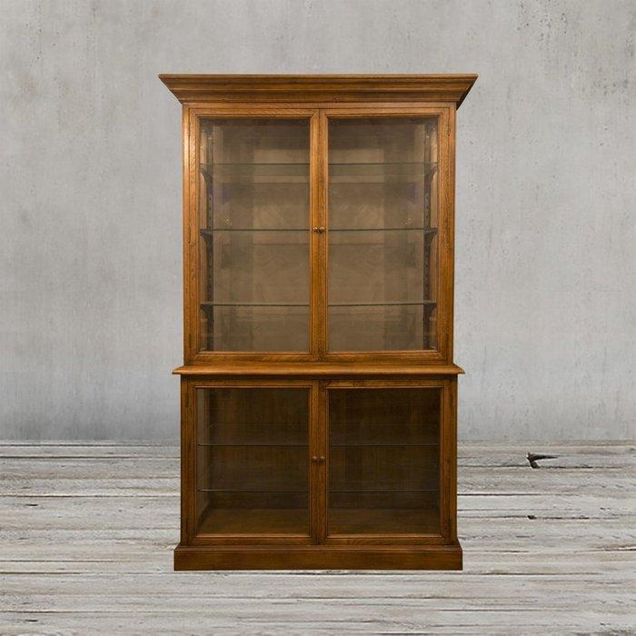 Шкаф Дисплей со стеклянными дверцами и полками