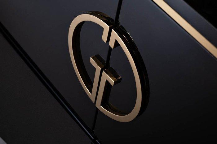Комод черного цвета с золотом