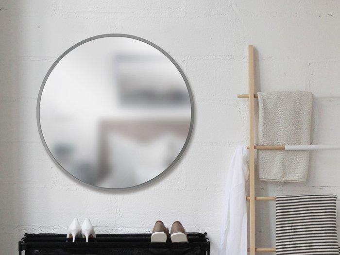 Зеркало настенное Hub в минималистичной раме серого цвета