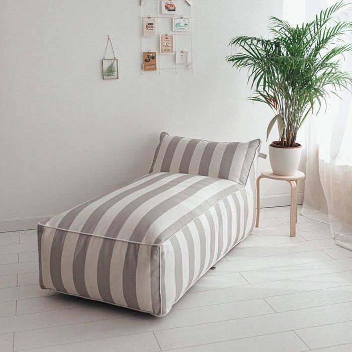 Лежак Angle Design с полосатым принтом