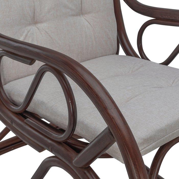 Кресло-качалка Classic из натурального ротанга с подушкой