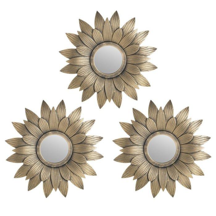 Набор из трех настенных зеркал золотого цвета