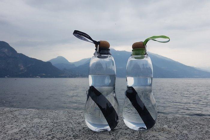 Эко-бутылка eau good с фильтром черная