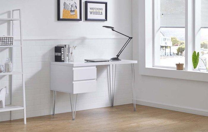 Стол письменный Novum белого цвета