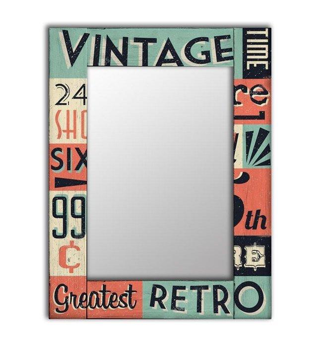 Настенное зеркало Винтаж в раме из массива сосны 65х80