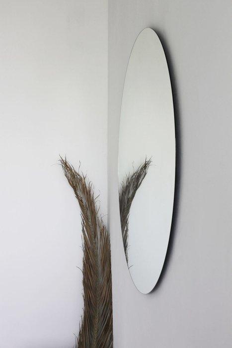 Круглое настенное зеркало диаметр 111 с каркасом из мдф