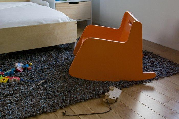 кресло-качалка Hiya оранжевое Spot On Square