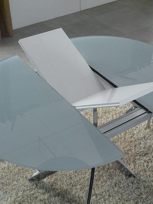 Круглый раскладной обеденный стол со стеклянной столешницей