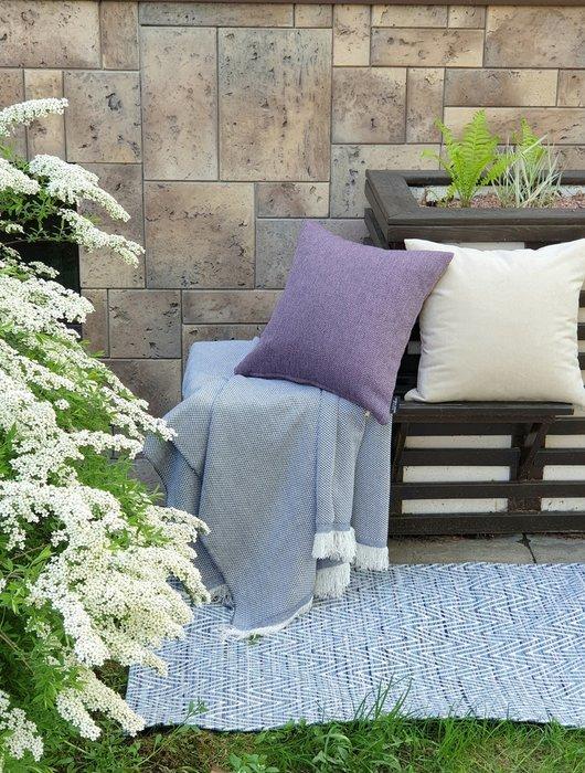 Декоративная подушка Аpollo plum фиолетового цвета