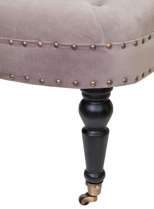 Низкое кресло Aviana taupe velvet светло-коричневого цвета