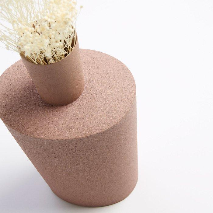 Ваза металлическая Фернелл розового цвета
