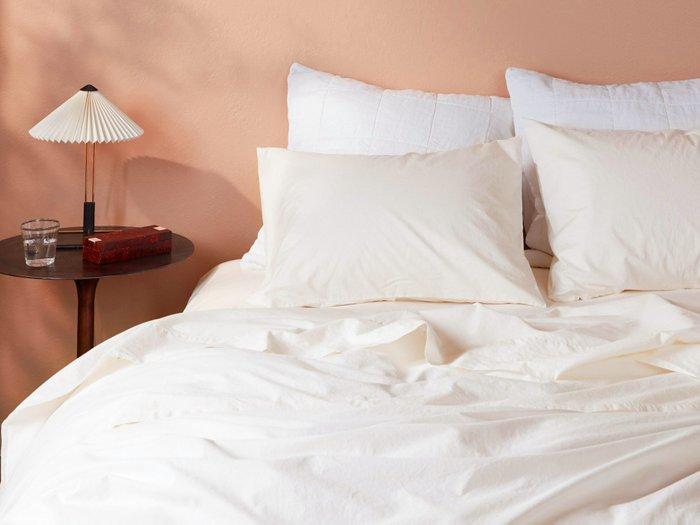Комплект постельного белья кремового цвета 180х215