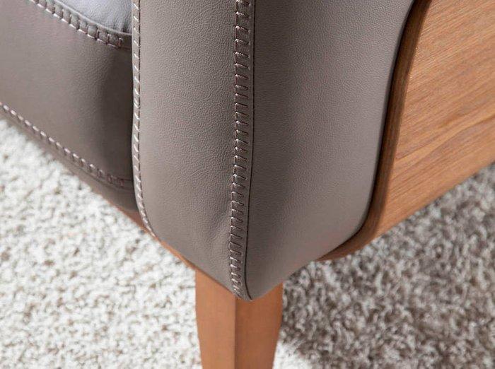 Диван двухместный серо-коричневого цвета