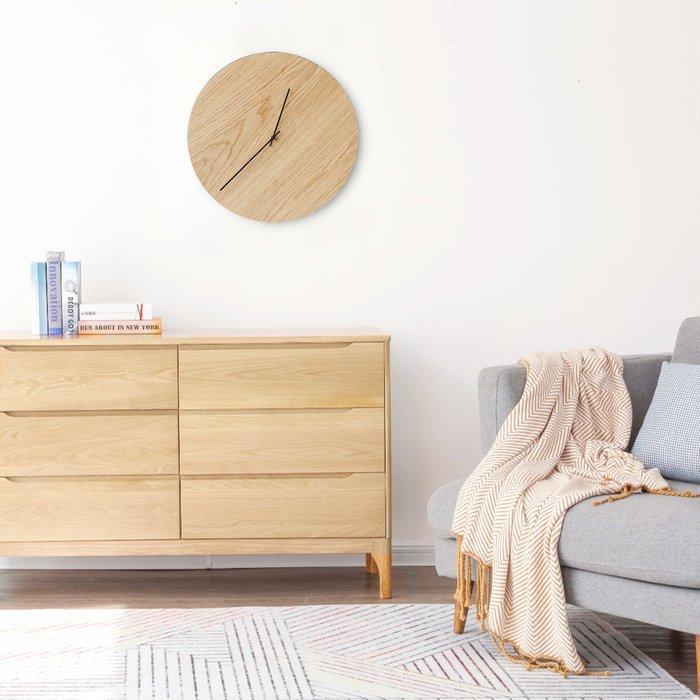 Настенные часы Oak бежевого цвета