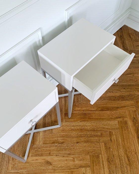 Тумба Пэри белого цвета с выдвижным ящиком