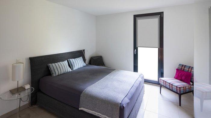 Рулонная штора Миниролл Блэкаут Фелиса серого цвета 60x160