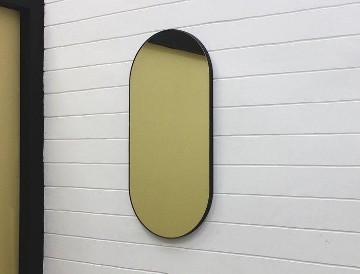 Овальное настенное зеркало Gralta в раме из кожаного ремня