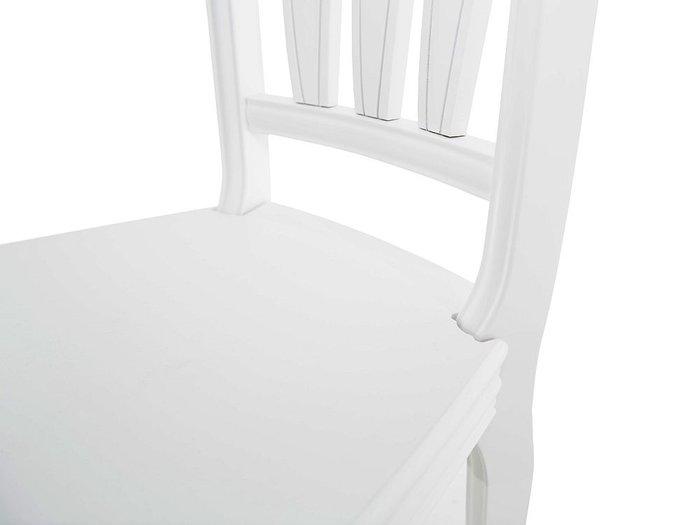 Стул Кабриоль белого цвета