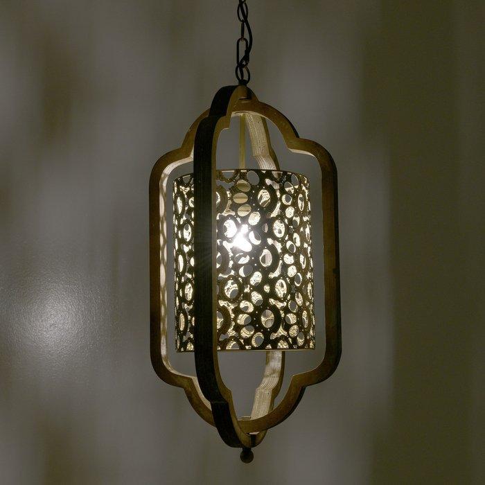 Подвесной светильник бежево-золотого цвета