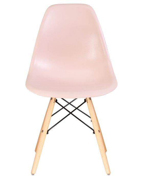 Стул обеденный светло-розового цвета
