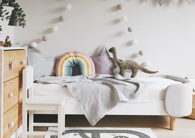Кровать Kidi Soft 65х163 бело-серого цвета