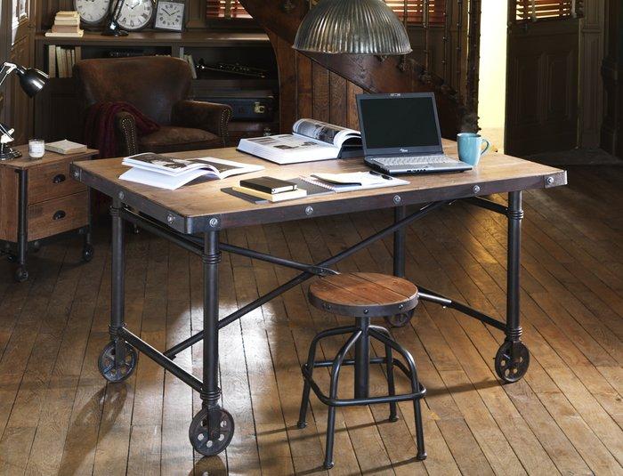 Стол письменный Мобиль на колесах