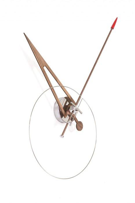 Настенные часы Cris из массива и стали
