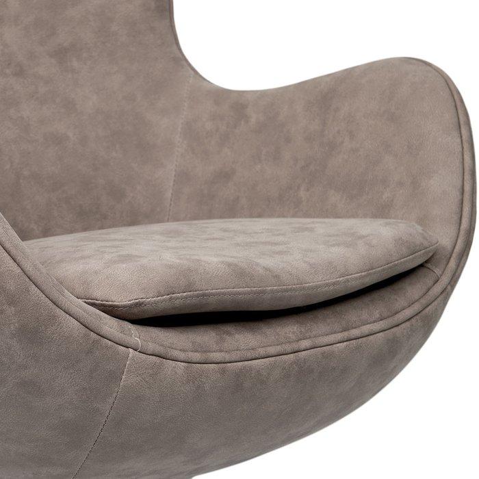 Кресло Egg Chair бледно-коричневого цвета
