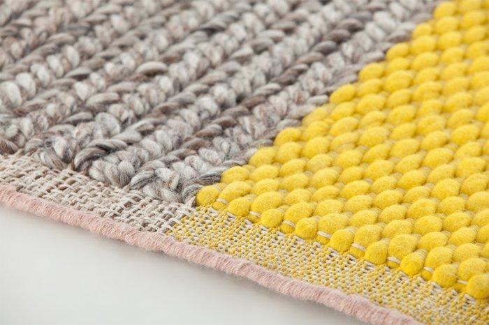 Ковер Plait Yellow серо-желтого цвета 160х160