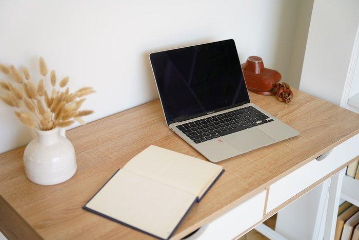 Стол письменный Agat бежевого цвета