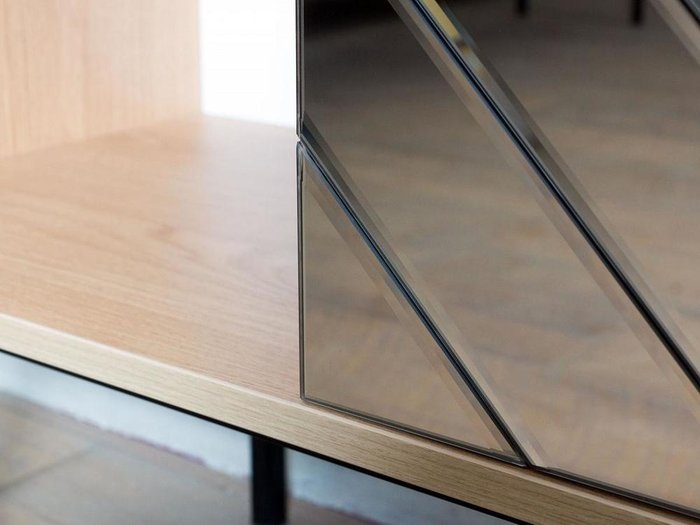 Шкаф двухдверный Boho с зеркальным фасадом бронзового цвета