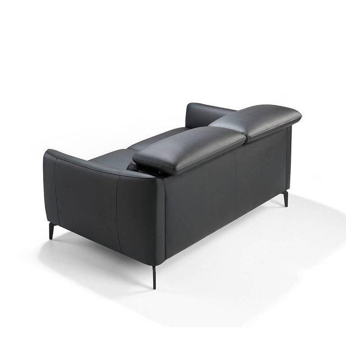 Диван двухместный черного цвета