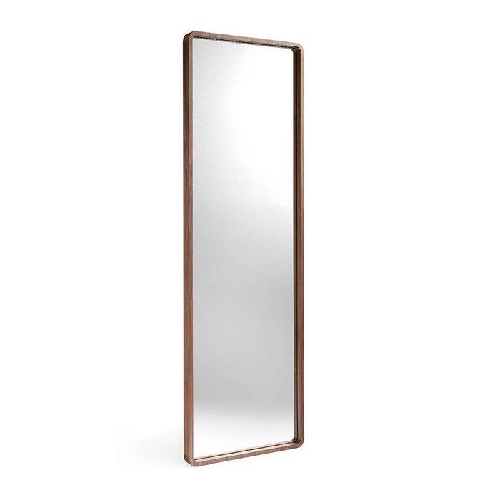 Напольное прямоугольное зеркало в деревянной раме