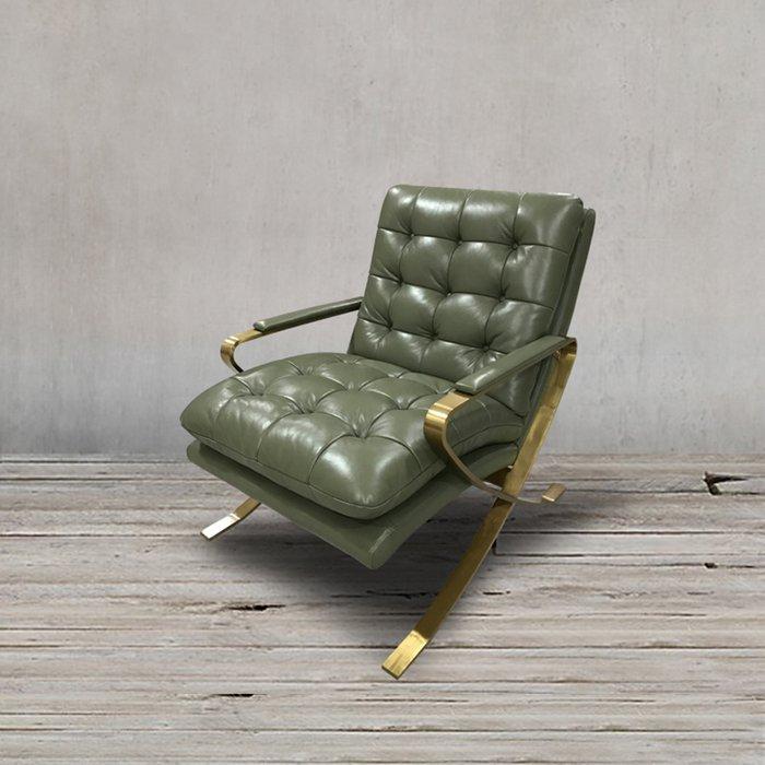 Кресло в обивкой из натуральной кожи