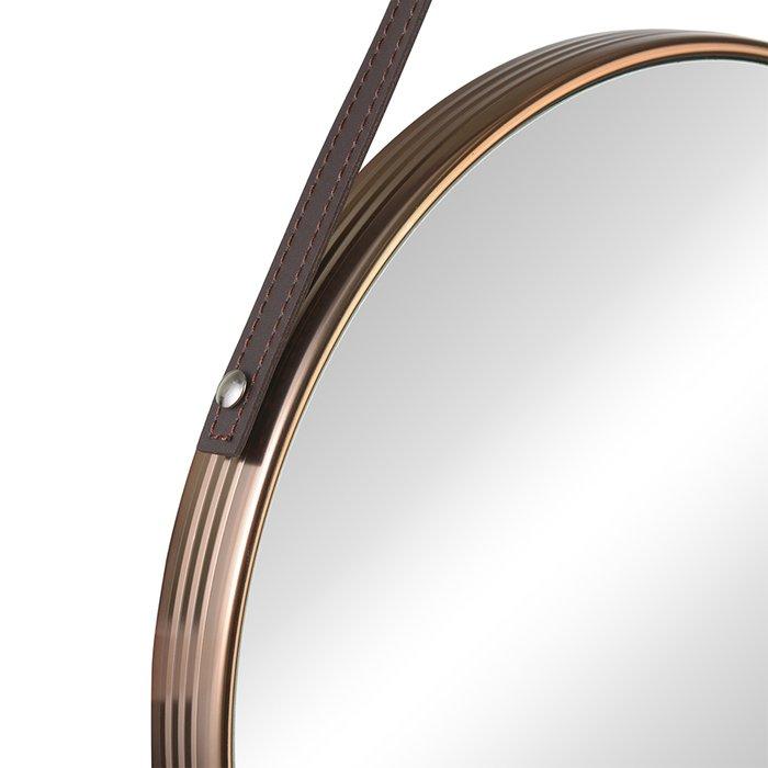 Настенное зеркало Liotti в раме золотого цвета
