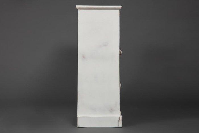 Комод с шестью ящиками белого цвета