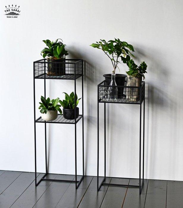 Подставка для цветов Grow M из металлического прутка