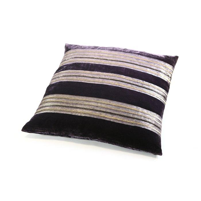 Подушка Maude Purple из бархатного шелка